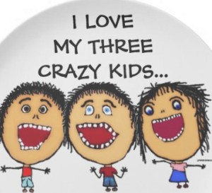 love_my_three_crazy_kids_cartoon_party_plates-r4f27ef8705b843ad80fa567c60037640_ambb0_8byvr_512